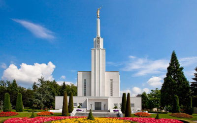 Are missionaries allowed in temple prayer circles?